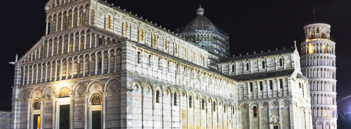 Piazza dei Miracoli by night - photo by Nicola Nobile